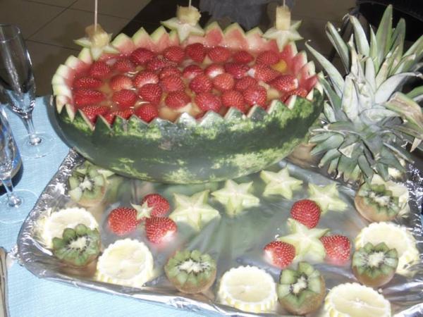 buffet anniversaire   ( fin de presentation plat )