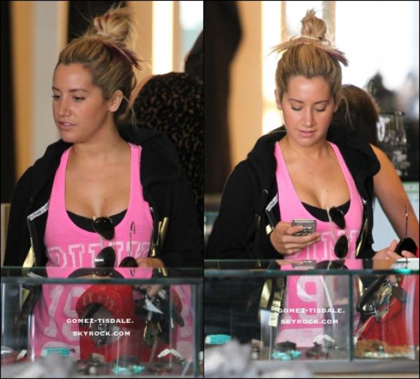 05/03/12 : Ashley a été repéré lors de l'achat à Beverly Hills à sa boutique préférée sur la terre, Planète Bleue. La coloration rose hottie, vêtu à la fois dans Victoria 's Secret Pink Love capuche et le réservoir, lu l'île jewerly du magasin avant de payer pour les articles. 06/03/12 : AShley est arrivée dans les studios de Margarita Mix à Hollywood pour enregistrer Phineas et Ferb, la série animée télévisée dans laquelle elle exprime Candace, (ne pas oublier que Phineas et Ferb s'est nominé aux Kids Choice Awards 2012).
