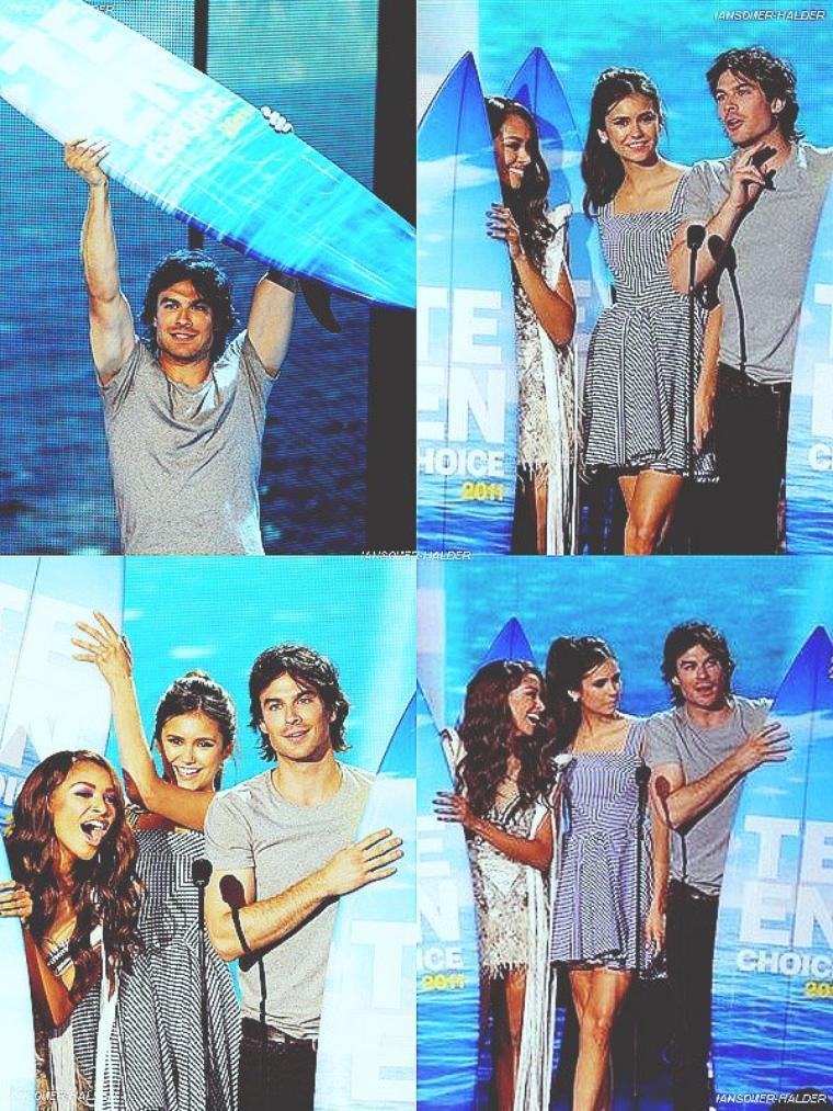 Ian sur le tapis rouge au Teen People's Choice Awards. | le 7 août 2011.
