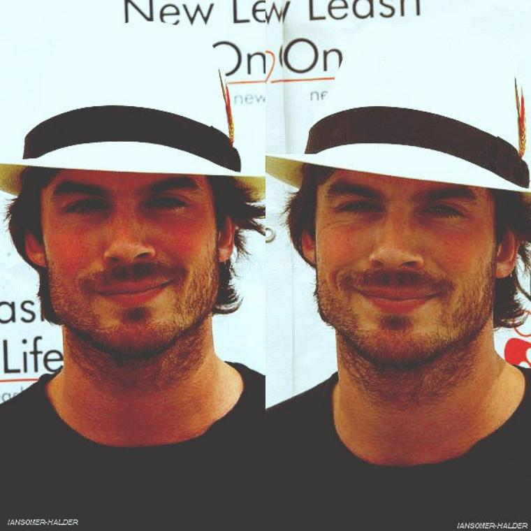"Ian était au ""8Th Annual Nut For Mutts Dog Show"". 
