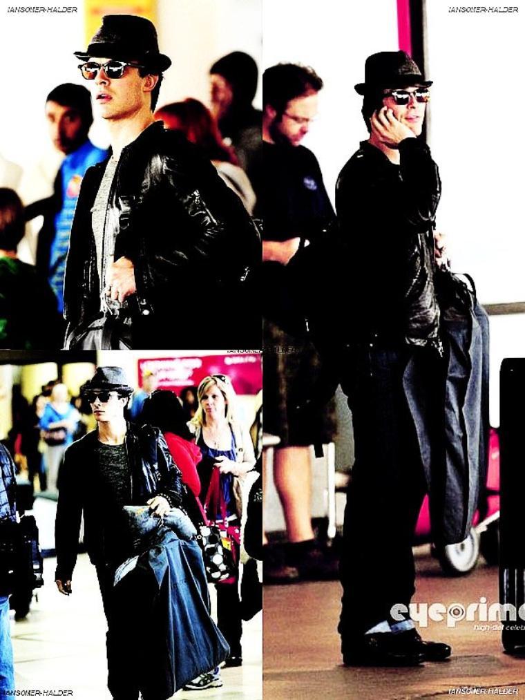 Ian était a l'aéroport de LAX en compagnie de Nina. | Le 24 février 2012.