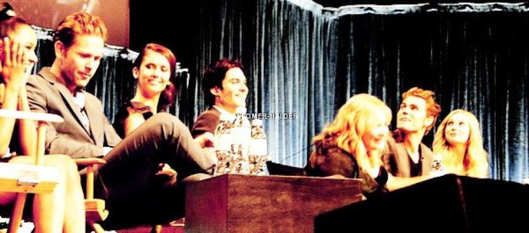 Ian et le cast était présent au PaleyFest 2012. | Le 10 mars 2012.