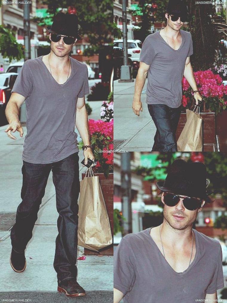 Ian dans les rues de New-York . | Le 14 mai 2012.