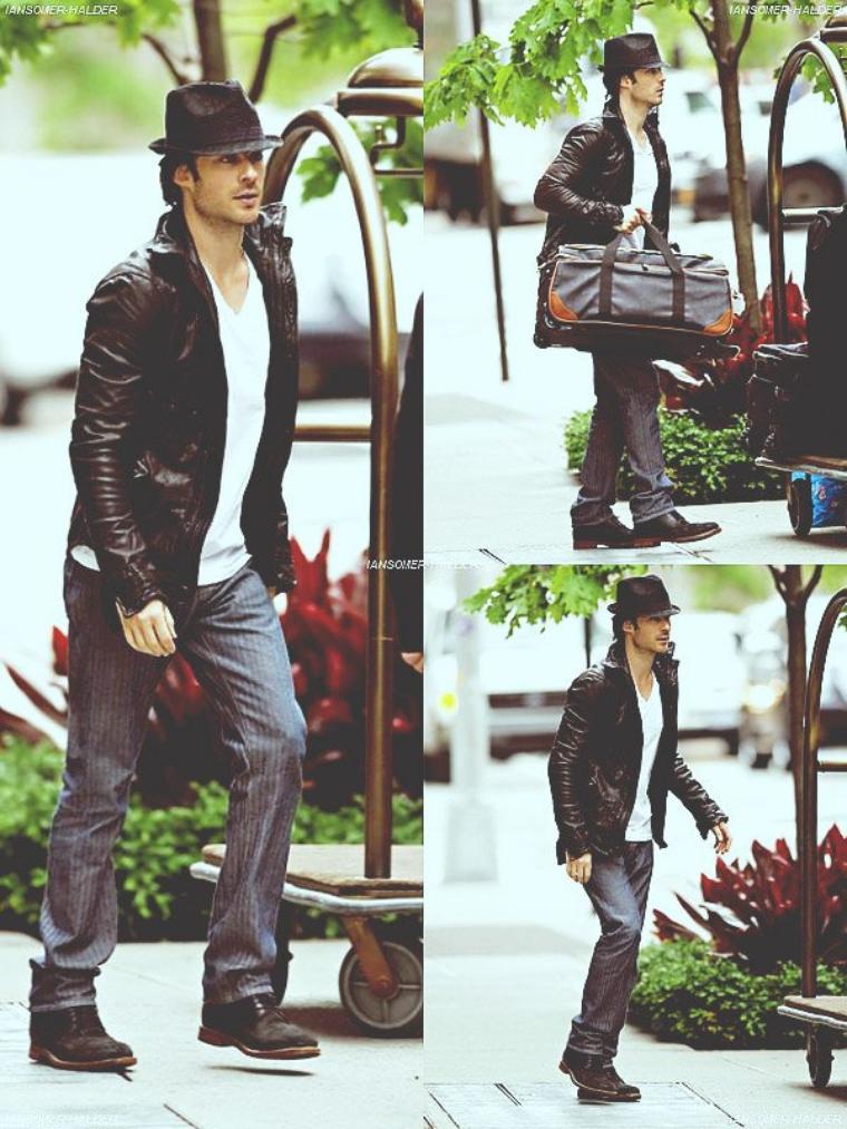 Ian quittant son hotel de New-York. | Le 15 mai 2012.