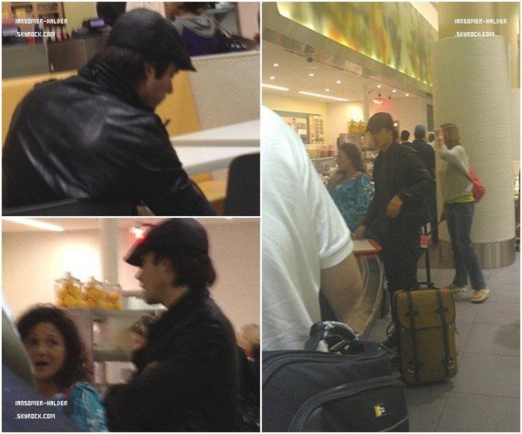 Ian a été vu a l'aeroport de LAX a Los angales. | le 22 Octobre 2012.