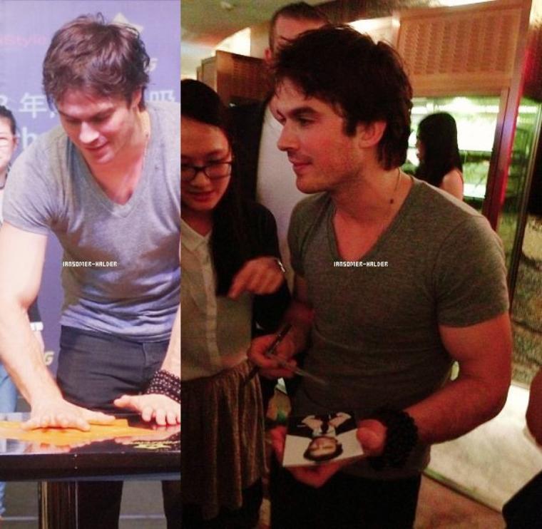 """Ian était a l'évènement """"Yen"""" à Shanghai.   le 27 avril 2013."""