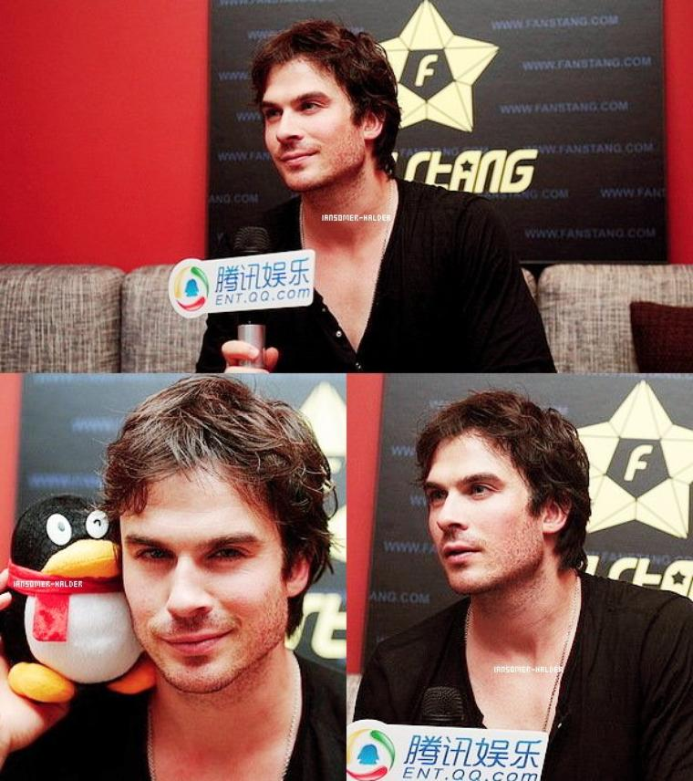 "Ian était interviewer pour ""Ent.QQ.com"" en Chine. 