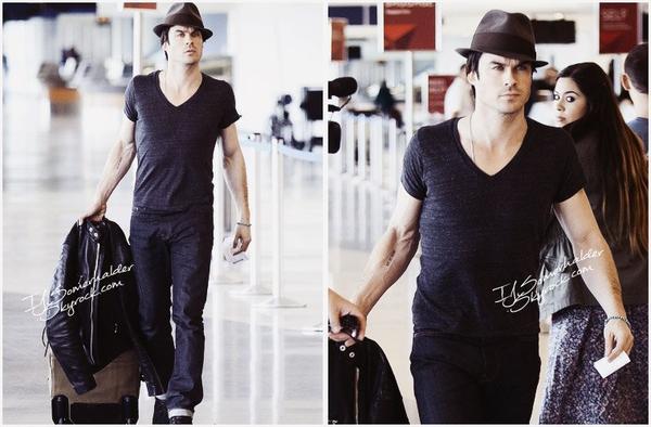 Ian revenant d'Orlando a été vu arrivant sur un vol a l'aéroport de LAX. | Le 16 décembre 2013.