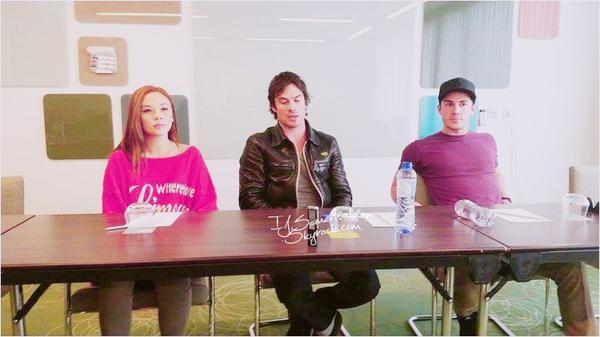 Ian a fait une conference de presse avant la convention, avec Malese et Michael. | Le 10 mai 2014.