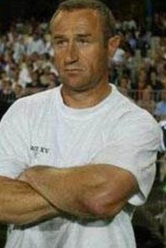 L'entraineur, le logo, le stage