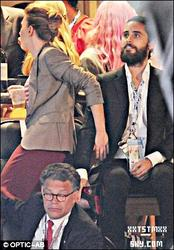 . ♦06/09/2012: Jared Leto et ScarlettJohansson à la Convention DémocrateAméricaine alorsLa croqueuse d'hommes est encore tombée sur le charme de son ex !!?? .