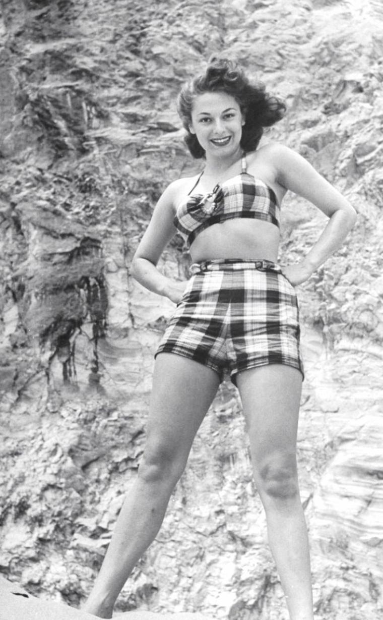 Ruth ROMAN vue par Allan GRANT en Avril 1949.