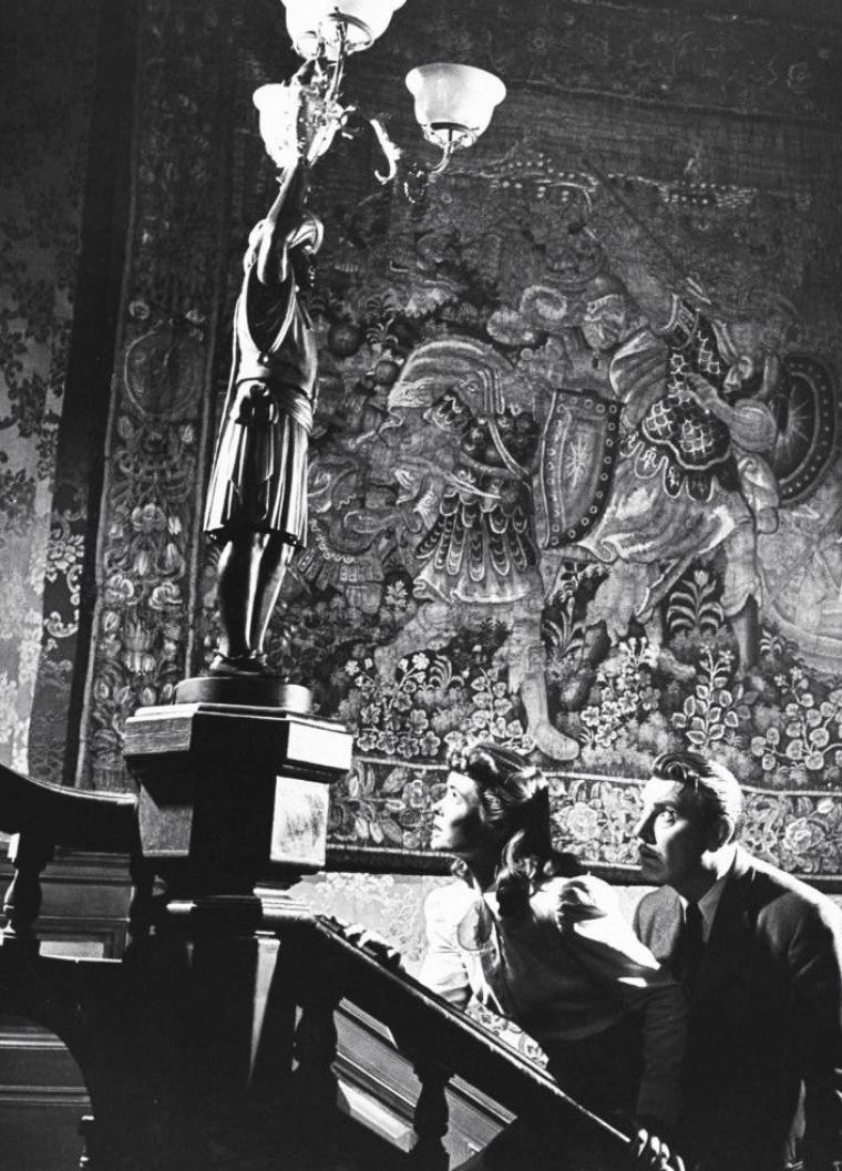"""Dorothy McGUIRE et Guy MADISON lors du tournage du film """"Till the end of time"""" (Amoureuse) d'Edward DMYTRYK en Décembre 1945. Photos signées Bob LANDRY."""