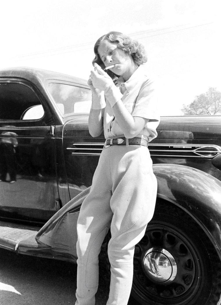 Barbara STANWYCK en 1936 sous l'objectif d'Alfred EISENSTAEDT.