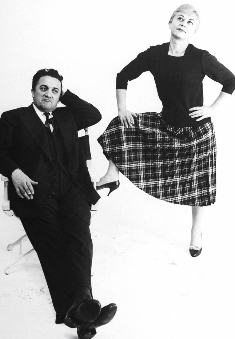 Le couple Giulietta MASINA et Federico FELLINI dans un studio à New-York en 1959 sous l'objectif de Gjon MILI.