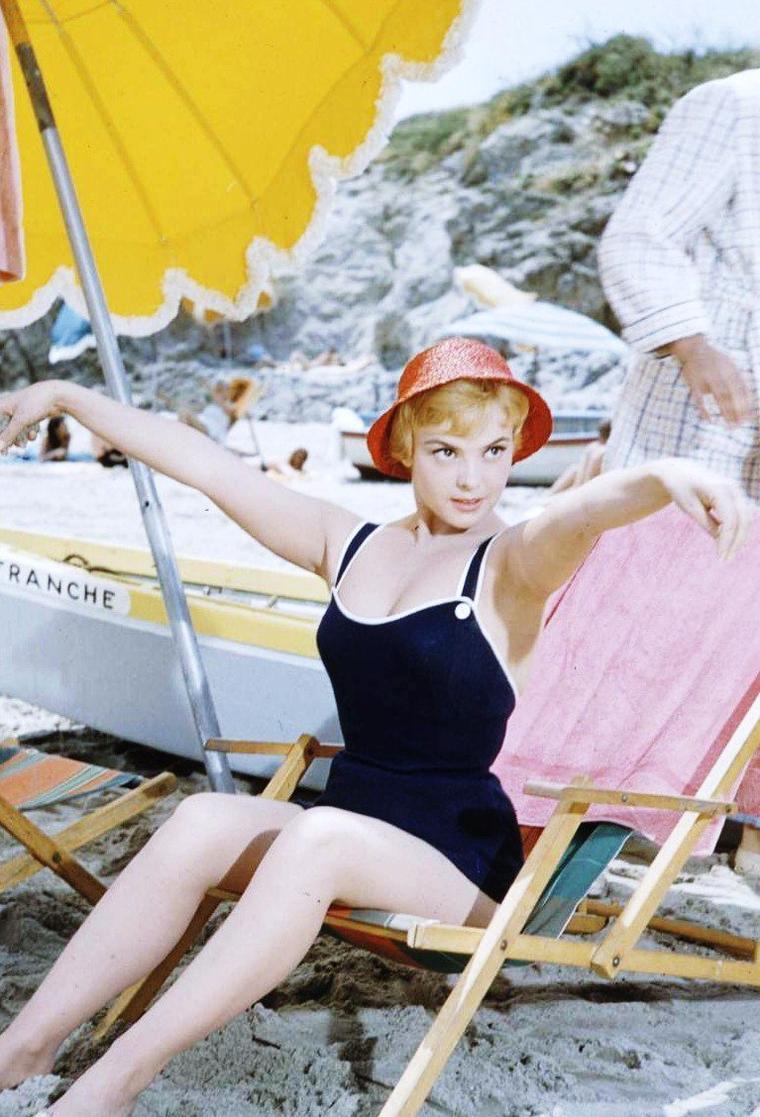 Christine CARRERE par Leonard McCOMBE.