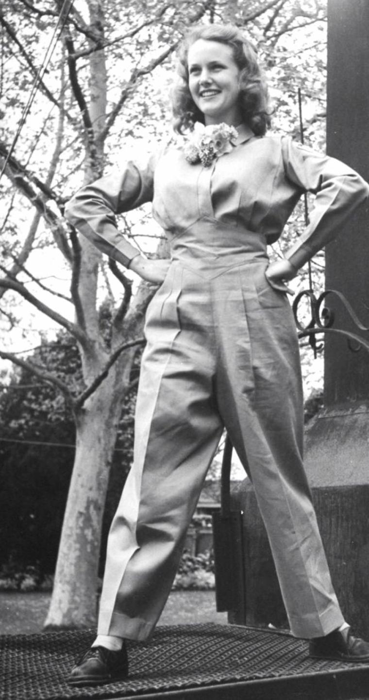 Trois actrices en 1943 portant des tenues créées par Muriel KING / de haut en bas / Frances GIFFORD (2photos) / Barbara BRITTON (2 photos) / Frances ROBINSON. (photos signées Walter SANDERS).