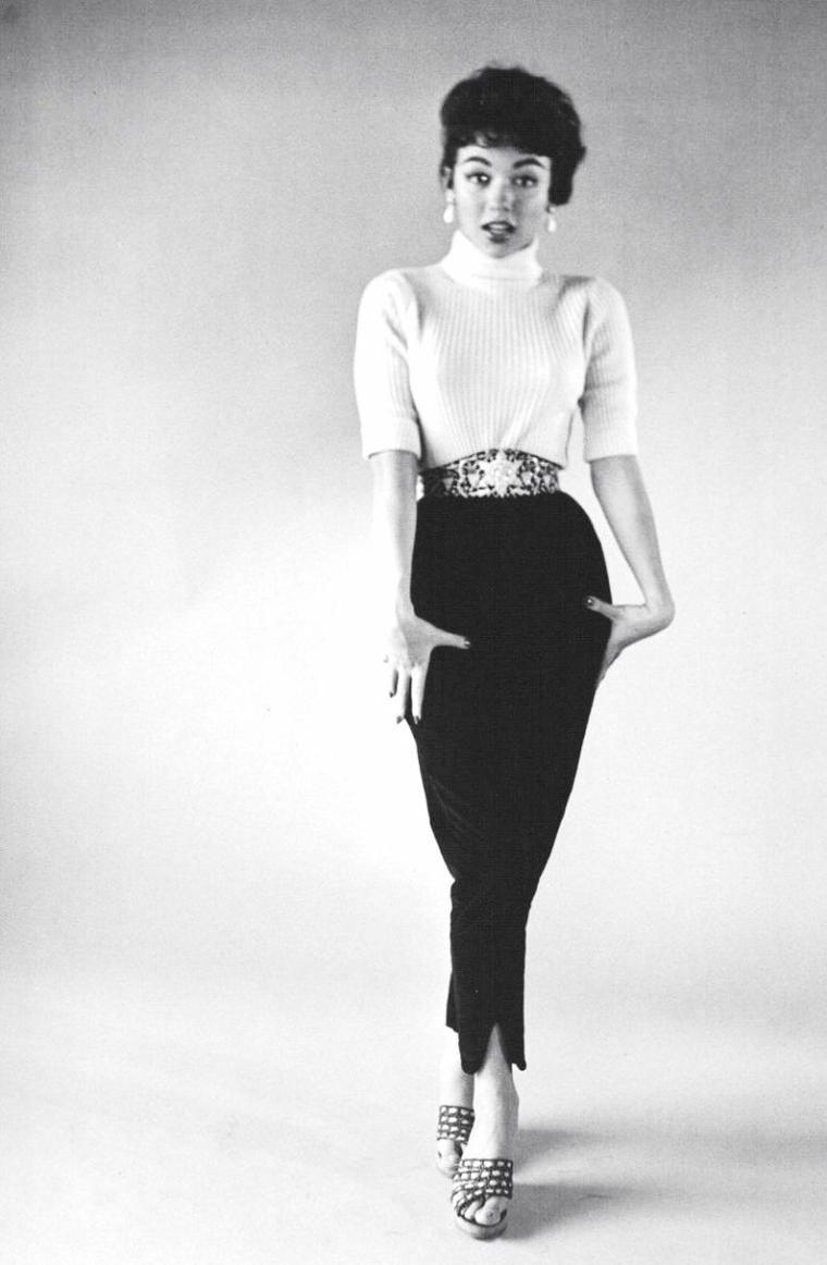 Rita MORENO à Los-Angeles en Février 1954 sous l'objectif de Loomis DEAN.