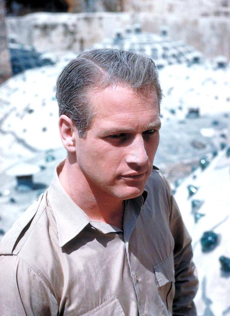 """Gjon MILI se rend en Israël pour photographier les acteurs et réalisateur Otto PREMINGER, Eva Marie SAINT, Paul NEWMAN, Sal MINEO et Jill HAWORTH sur le tournage du film """"Exodus"""" en 1960."""