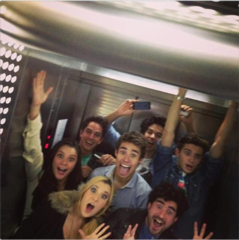 Les acteurs de Violetta en 7 photos...Vous aimez ? :)