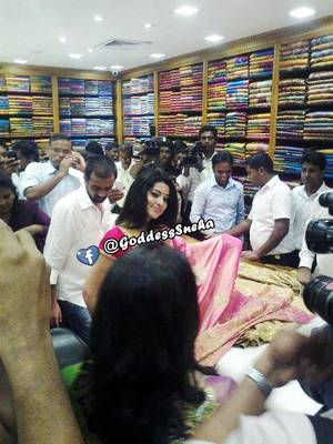 Sneha - Murattu Kalaai Realeasing this 15th June