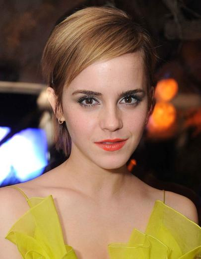 le casting pour la saga Harry Potter c'est passé en 1999 .Emma a été contacté par un agent du casting grâce a son professeur de théarte. elle a tout de même due passé 8 auditions mais on ne peut pas caché le talent, elle a été choisie parmi des milliers de candidates.