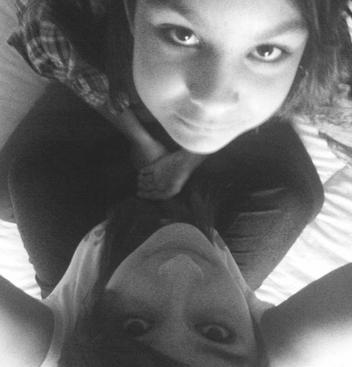 Ma Soeur & Moi. ;) (l) .Cindy. (l) Lovee Yoou...! (l)