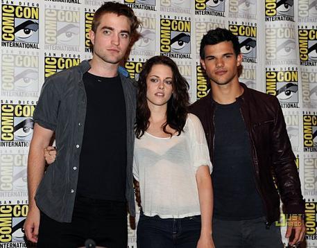 21 Juillet 2011 :Taylor Lautner etait au Comic Con en compagnie du reste du cast de Twilight