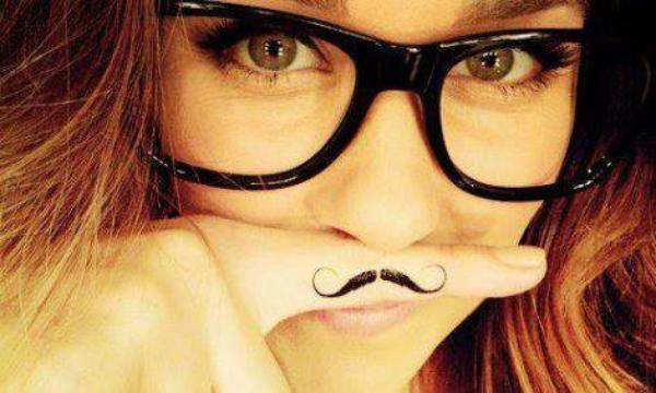 Début de moustache