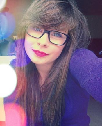 Léa, 16 ans, Dijon, Italienne, Célibataire. ♥