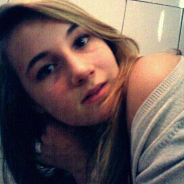 Mnie ustaje z pamięci nie.. Kocham cię. ♥