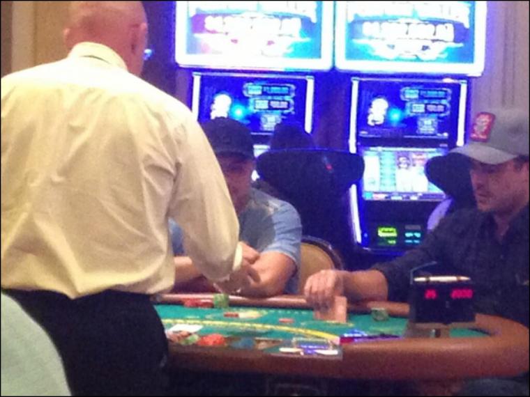 Spotted : Zac dans un Casino de Las Vegas