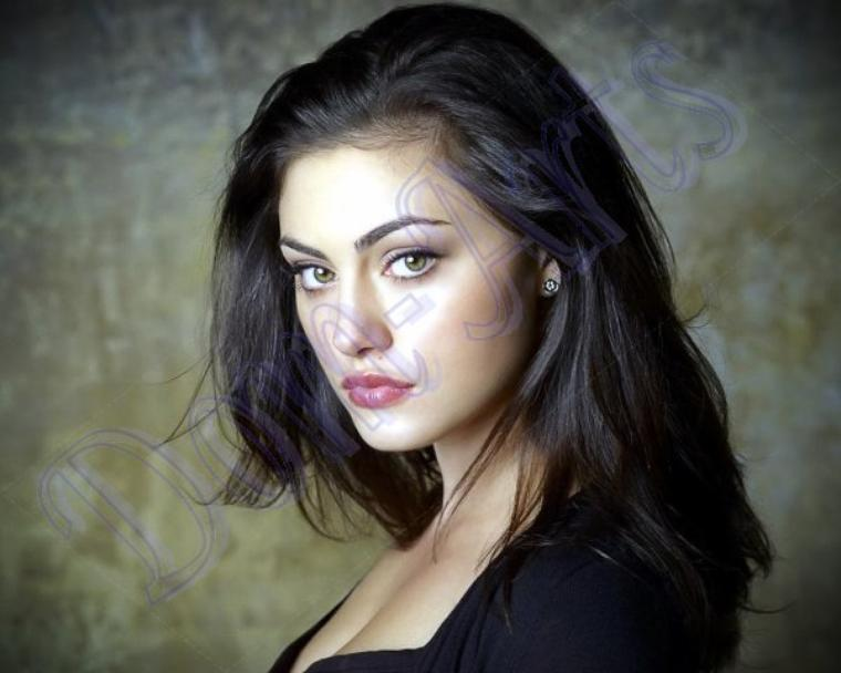 La belle   Phoebe Tonkin.!!! De The Vampire Diaries