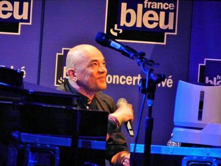 Résumé photos réactions @ObispoPascal en concert privé @FranceBleu à la Maison de la Radio