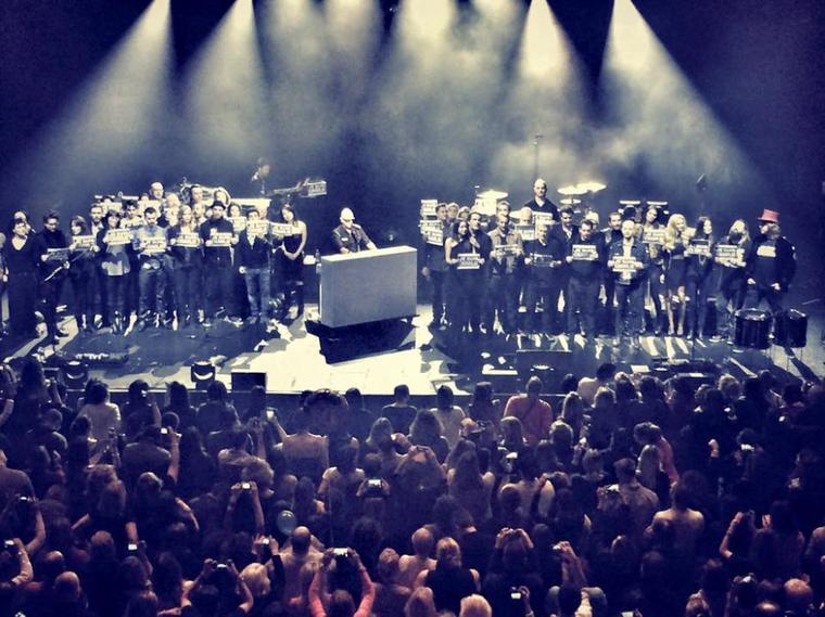 Revivez en images l'anniversaire d' @ObispoPascal à l' #Olympia 1ère PARTIE photos, vidéos #JeSuisCharlie