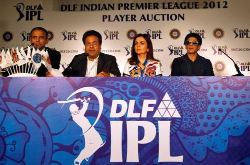 Shah Rukh Khan at IPL 5 Auction 2012 in Bangalore, 4 Feb.