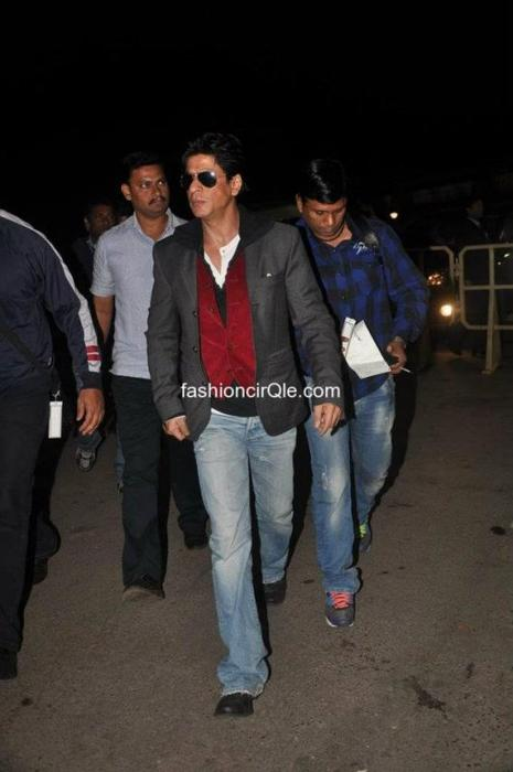 Shahrukh à l'aéroport