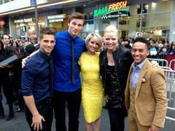 25/04/2013 Chelsea Etait a l'Avant Première de Iron Man 3 En compagnie du cast de Baby Daddy Top