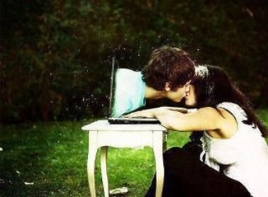 Quand vous aimez une personne comme je l'aime, cette personne fait partie de vous. C'est comme si vous étiez attaché par cette corde invisible, et peu importe si vous êtes loin, vous pouvez toujours la sentir.