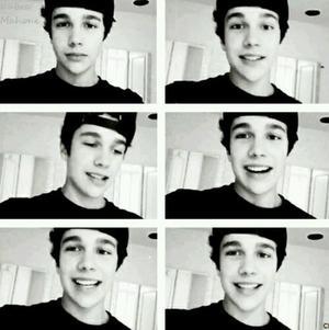 """""""Il y a toujours un moment où tu souries, mais ton sourire est totalement faux."""""""