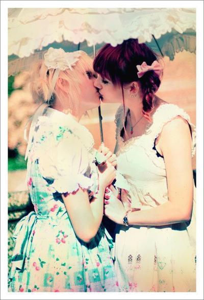 L'homosexualité chez les lolitas
