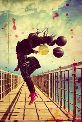 La vie est comme un arc-en-ciel: il faut de la pluie et du soleil pour en voir les couleurs.