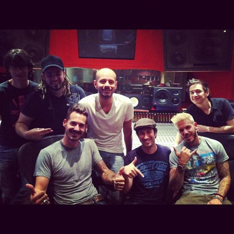 Matt en studio pour enregistrer 2 nouveaux titres pour la rentrée ^^