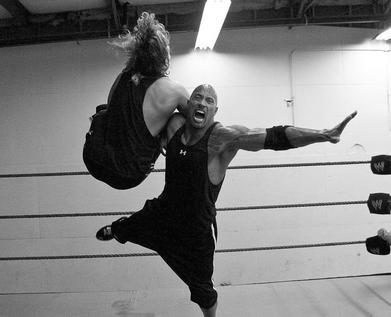 The Rock s'entraîne fort pour les Survivor Series de la WWE!