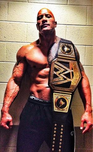 The Rock fait part de sa nouvelle ceinture !