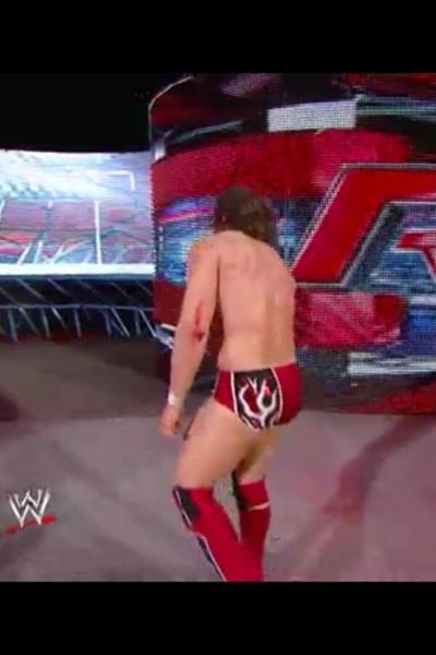 Daniel Bryan se blesse à RAW et reçoit des éloges de la part d'une superstar de la WWE