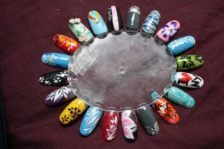 nail art sur capsules, encore ;)