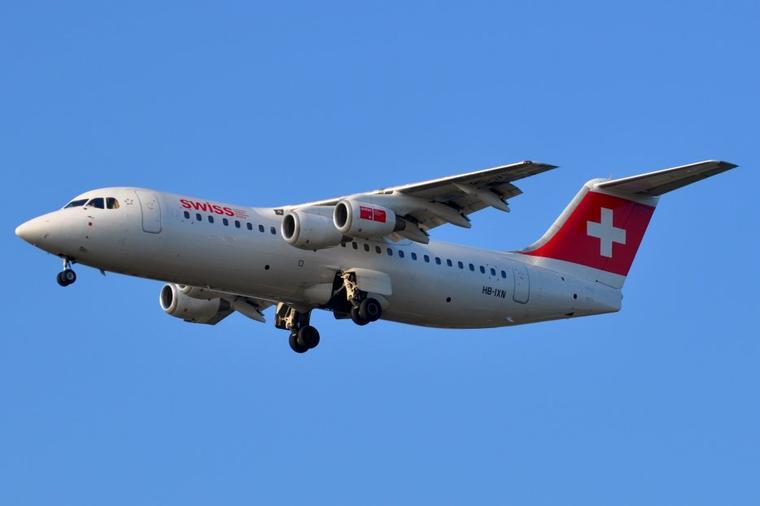 Avro RJ100 Swiss International Airlines