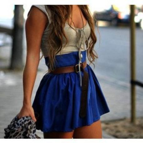 je vous présente un super blog  : http://fringue-fiction69.skyrock.com/, la fille qui tient ce blog est très sympa,elle peut vous crée des assossiations de vêtements à la demande^^