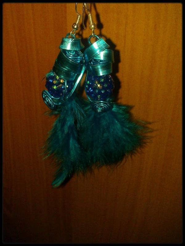 Parure en plumes turquoise